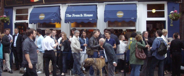 'The_French_House',_a_historic_pub_in_Soho.